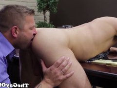 Muscular office hunks shoot their loads