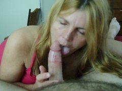 Wife gives seductive blowjob