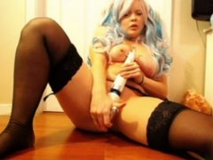 blonde girl squirts on cam