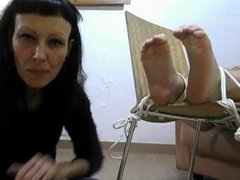 MISS WAGON TICKLING FOOT & WHIP