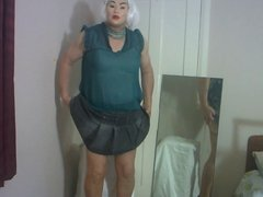 Dee in suspender tights video