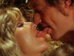 Die Bett-Hostessen 1973 (Group sex erotic scene)