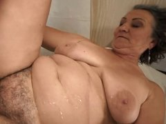 Hairy pussy granny fucked and jizzed on