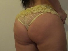 PAWG in yellow panties