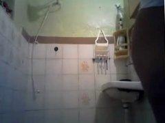 Talita tomando banho