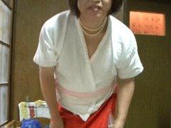 Ladyboy Jyosoukofujiko of enema in kimono underwear 2