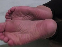 Cammie's Wide Dry Soles - toe wiggles and sole scrunches.