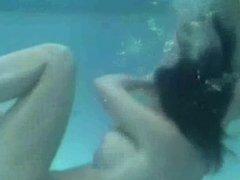 Underwater Vixens, Zorras tetonas submarinas