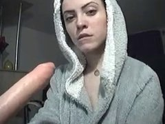 Masturbating cam girl