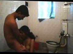 bangla girl madhu blowjob in the toilet