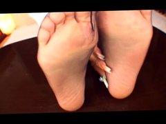 Reika Aiba Pantyhose Feet Play