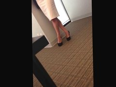 Candid Sexy Tired Feet Shoeplay Dipping at the Office Face
