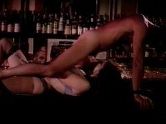 Kay Parker prise sur un bar