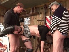 Amateur blonde milf analized in threeway with Papy Voyeur