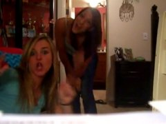 2 hot Girls dance to the Barbie Song