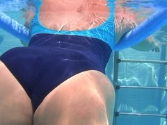 underwater candid booty from GLUTEUS DIVINUS