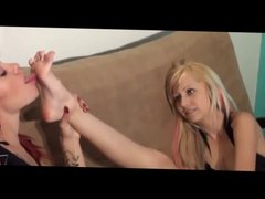Catherine Loves Renes sweet foot worship - lesbian