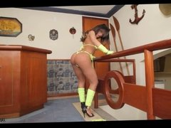 Beautiful Melaninny Vilhena has some solo fun with her TS