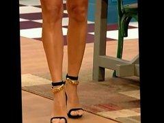 Super Crossed Legs