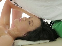Perfect massage ends with a cumshot