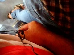 ENCOXADA TOUCHING MILF SEXY JEANS BUS