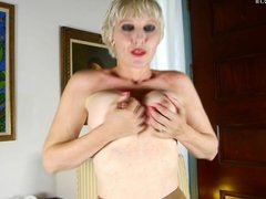 Mature mom with hungry holes