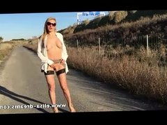 Flashing nude and sucking a guy on the road