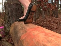 Crystal's black ballet flats shoeplay barefoot muddy