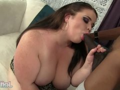 Young BBW Holly Jayde takes black dick
