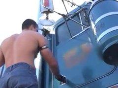 Trucker Fuckers - Camioneros marchosos