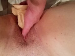 wife creamy pussy on dildo