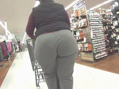 BBW Bubble Butt shopping after gym workout!