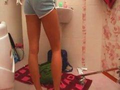 Teen Girl Bathroom Masturbate