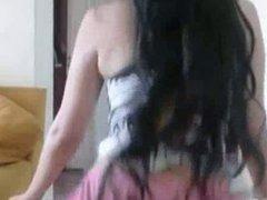 Jovencita caliente bailando IV