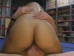 Black girl fucked in boxingring