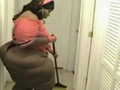 Mega Sexy Ebony SSBBW Booty Shake IV