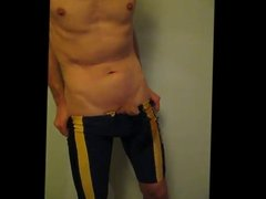 Amateur cumming in Lycra