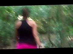 Morena gata na trilha