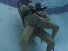 Twin Hose Fuck In a Pool 2 of 3