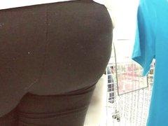 madura nalgoncita shopping