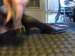 Cum in wifes brown classic pump