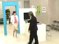 Super Funny Japanese Parody of TSA Airport Security