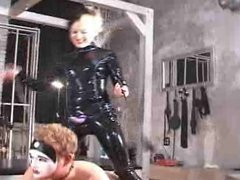 Miss Dolly - Doggie Style (latex)
