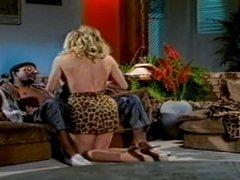 moana pozzi in i Vizi transessuali di Moana scena