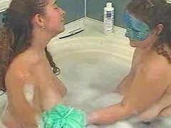 Kurvs & Athena in a bath