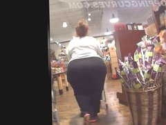 MATURE SUPER PAWG Shopping after GYM WORKOUT!