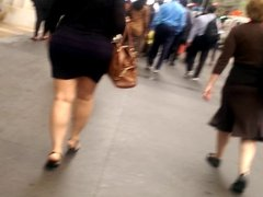 Thick Italian woman with a sexy walk pt.2