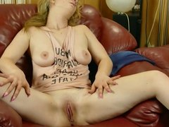 Beata massages her hot Pussy