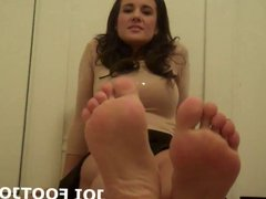 Slide your hand cock between my smooth feet JOI