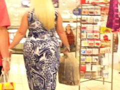 Blonde Thick BBW Shopping Fathers Day Sexy AF!